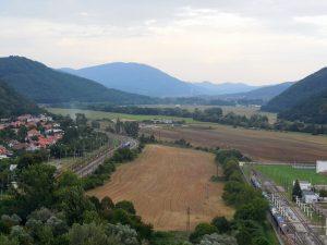 Výhľad nad kláštorom v Hronskom Beňadiku
